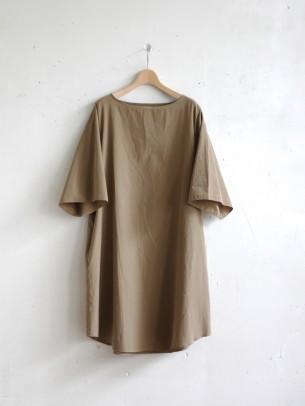 コモリの着やすいお洋服