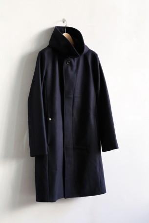 ブレスの定番コート