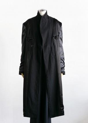 ジュンヤワタナベの新作コート