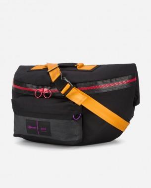 アミとイーストパックのコラボレートバッグ